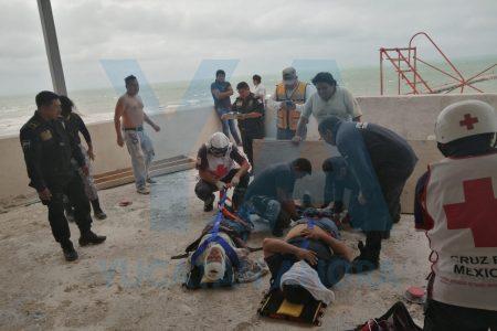 Se desploma un muro en la zona de playa de Progreso: dos lesionados