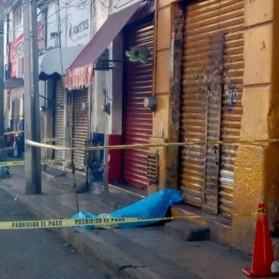 Encuentran muerto a un anciano indigente en la zona de mercados