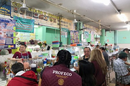 Sorpresivo operativo de Profeco en el Mercado Lucas de Gálvez