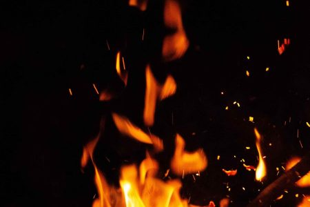 Borracho de San José Tecoh no comió lumbre, pero sí le prendió fuego a su bodega