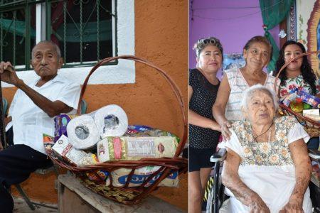 Centenarios abuelitos de Yucatán reciben canasta de básicos cortesía de Súper Aki