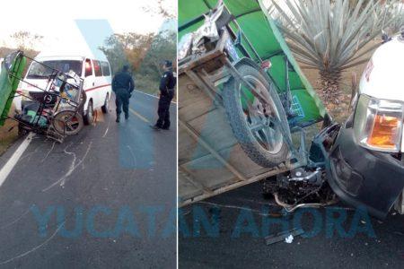 Combi del FUTV choca un mototaxi; dos heridas