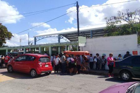 Crece tensión en escuela de Yucalpetén por la agresión de violento padre