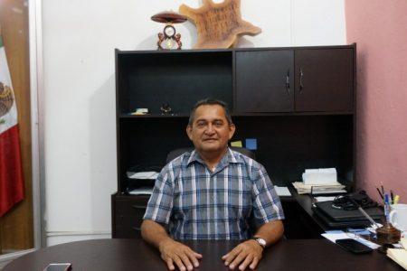 Denuncian que el alcalde de Tixpéual se burla de los abuelitos y no les cumple