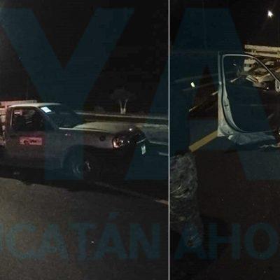 Se incrusta detrás de una camioneta por invadir su carril