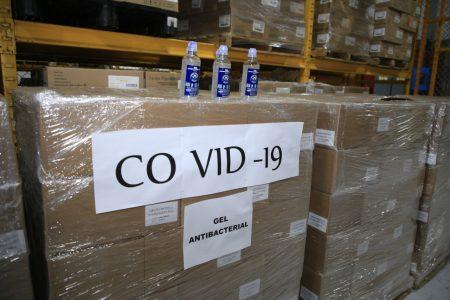 Grupo Modelo entrega al IMSS primer cargamento de gel antibacterial