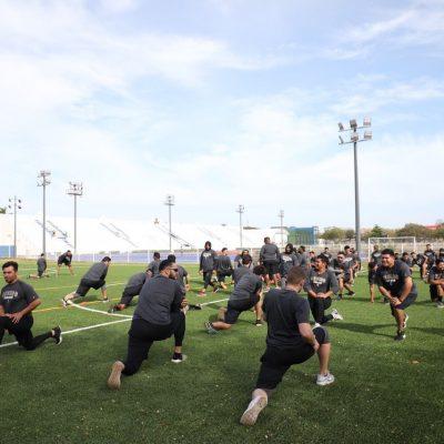 Leones de Yucatán entrenan en el renovado estadio  Salvador Alvarado
