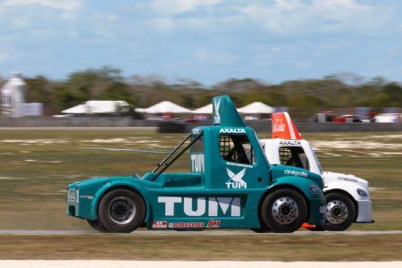 Un experimentado y un debutante, los más rápidos en el Autódromo Yucatán