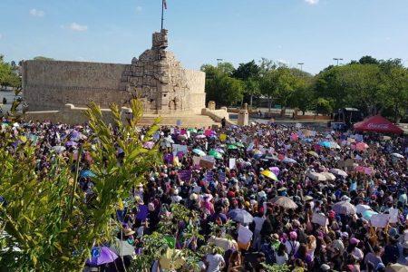 Yucatecas marchan para pedir que acabe la violencia de género