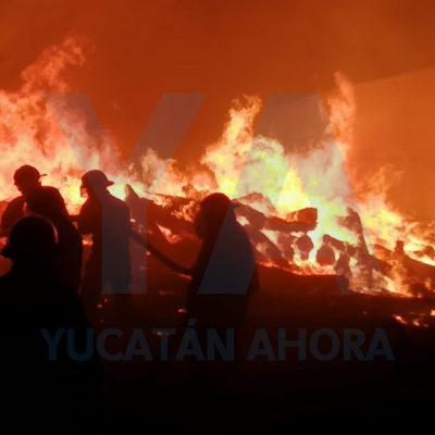 Incendio de maleza se sale de control y llega hasta una bodega de madera
