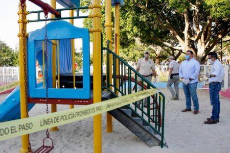 Para que te quedes en casa, encintan los juegos infantiles en parques de Mérida