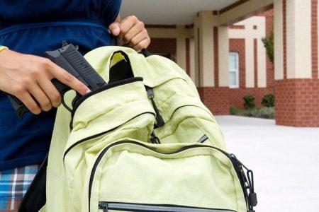 Denuncia ciudadana: alumno de una universidad privada llega armado a tomar clases