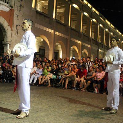 Lunes de Vaquería en Mérida… sin mujeres