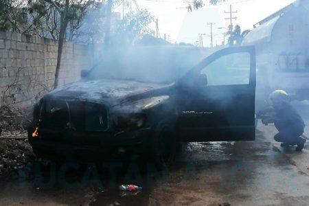 Se quema su camioneta después de encenderla