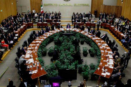 Dos yucatecos llegan a la final para elegir nuevos consejeros del INE