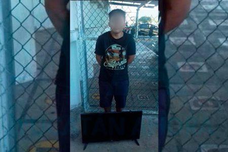 En plena cuarentena se le ocurre ir a la escuela… pero a robar