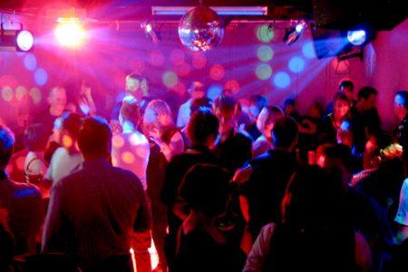 Por Covid-19, Gobierno instruye cierre de bares, discotecas y centros nocturnos