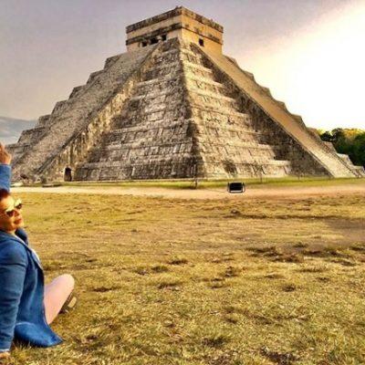 Dos maravillas: Alejandra Guzmán se toma postal en Chichén Itzá