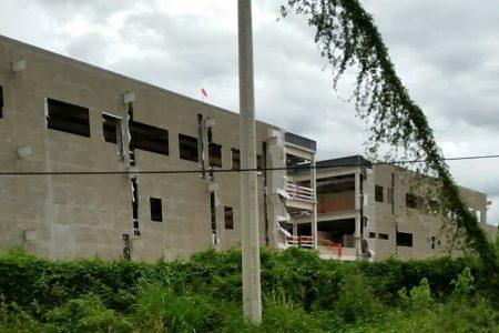 Destraban conflicto que impedía concluir el hospital regional de Ticul