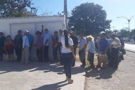 Díaz Mena insiste en sus mítines de entrega de apoyos pese al Covid-19