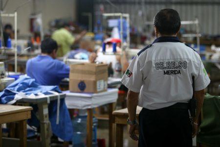 Yucatán en tiempos del Covid-19: presos del Cereso elaboran cubrebocas