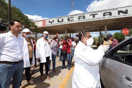 Supervisa Mauricio Vila el filtro sanitario en la carretera Mérida-Campeche
