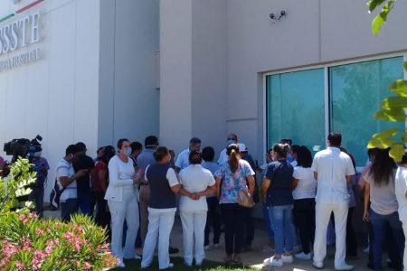 Covid-19: Protestan trabajadores del Issste Susulá por falta de insumos