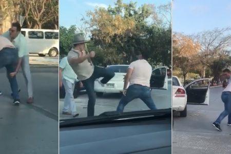 Conductores protagonizan pelea a golpes en la glorieta del CUM