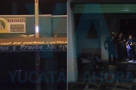 Se incendia una pollería en la Emiliano Zapata Sur: arden carbón y una moto
