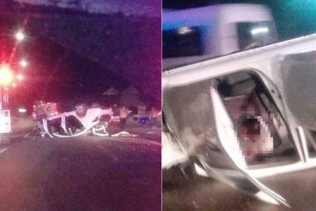 Aparatosa volcadura de un taxi en el Periférico: un lesionado grave