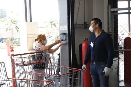Vigilan que supermercados cumplan protocolos de higiene por el Covid-19