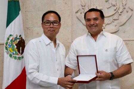 Solidaridad del pueblo chino con los meridanos: donan 20 mil cubrebocas