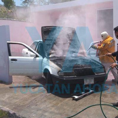 Se incendia su auto al arrancarlo