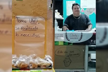Panadero de la Emiliano Zapata Norte se une a la solidaridad por Covid-19