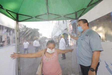 Instalan primera de 15 carpas sanitizantes en el centro de Mérida
