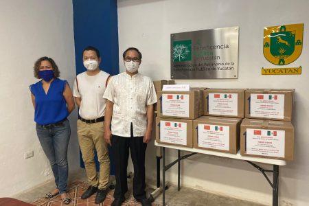 Comunidad china en Yucatán dona 20 mil cubrebocas para prevenir el Covid-19