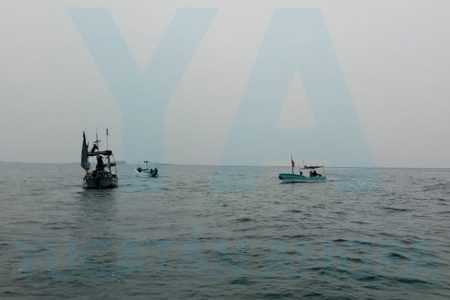Localizan y rescatan una embarcación extraviada con tres tripulantes