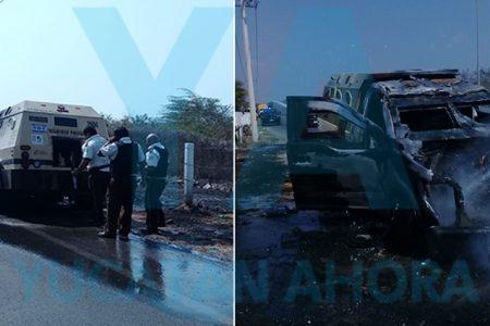 Se incendia camioneta de valores con 3 millones de pesos a bordo