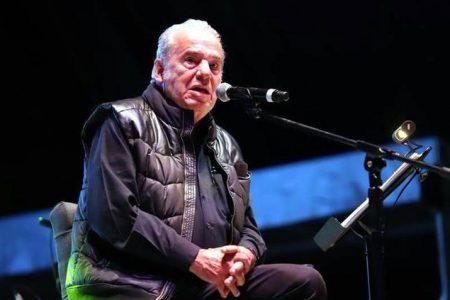 Muere el cantante Óscar Chávez tras ser hospitalizado con síntomas de Covid-19