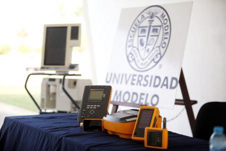 Gobierno de Yucatán recibe de la Universidad Modelo instrumentos médicos esenciales ante el Covid-19