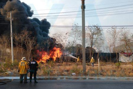 Vecino provoca enorme incendio por quemar basura