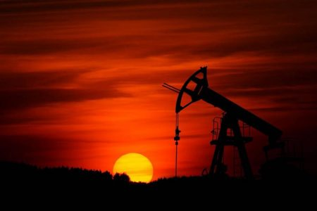 Colapso histórico del precio de petróleo WTI