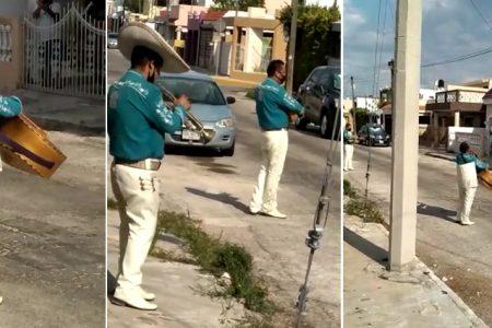 Mariachis de Mérida tienen que cantar en las calles para sostenerse ante el Covid-19