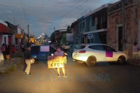 En medio de la pandemia, vuelven los bloqueos de calles por falta de luz