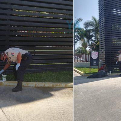 Sorprenden a policía  regalando comida a un hombre en situación de calle