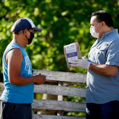 Renán Barrera supervisa la segunda etapa de entrega de despensas y kits sanitizantes