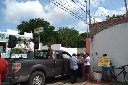 Manifestación contra la CFE en Tizimín: quejas por abusos y maltrato al usuario