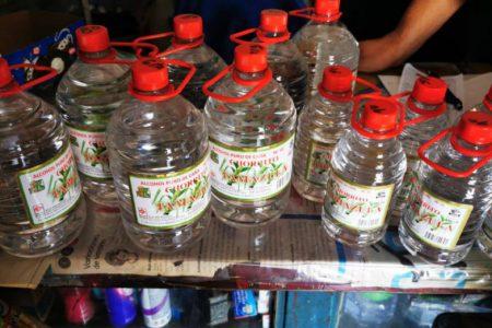 Dos muertos más por alcohol adulterado: ya son 16 defunciones en esta ley seca