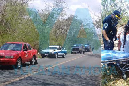 Choque entre una camioneta y dos taxis deja una embarazada de 7 meses herida