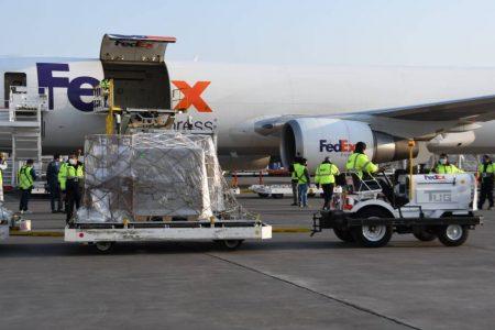 Llega procedente de Estados Unidos tercer avión con insumos médicos